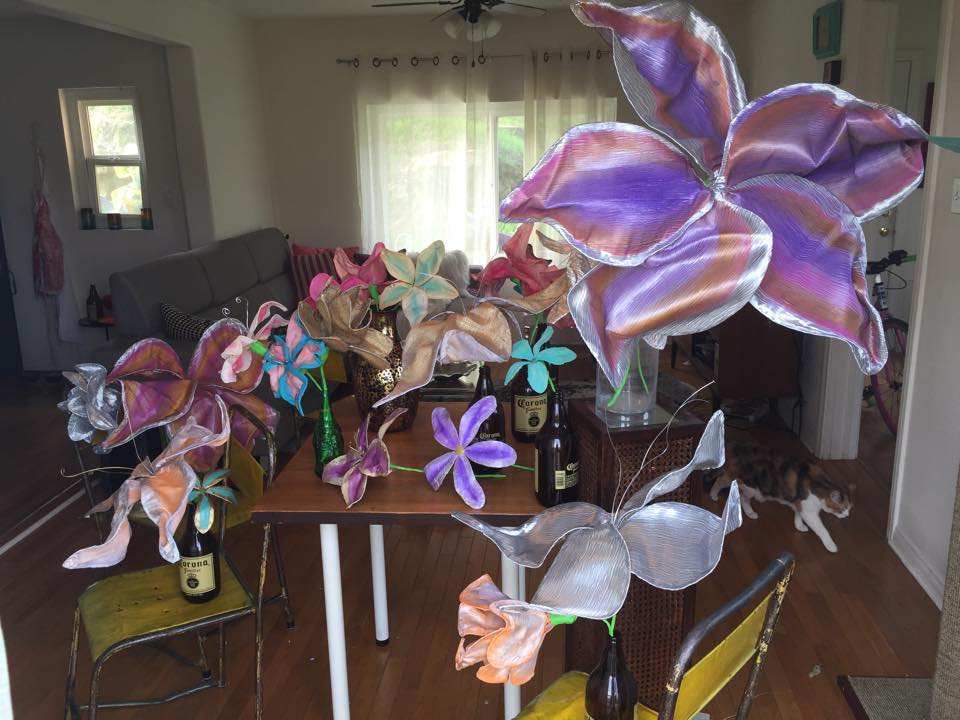 make your own flowers, with wire, fabric, hot glue and paint!