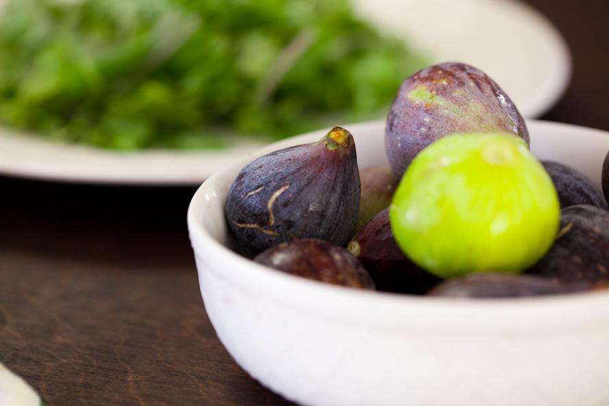 summer fig salad balsamic reduction